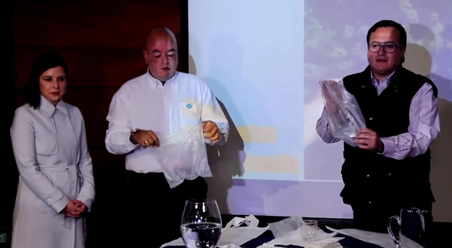 解決塑料袋問題!智利工程師發現新材料:全溶解於水